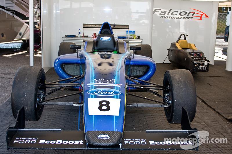 Auto von Darius Karbaley, Falcon Motorsport,