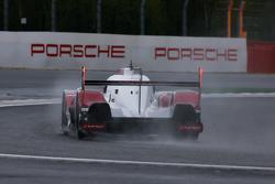 Audi Sport Team Joest Audi R18 e-tron quattro Hybrid
