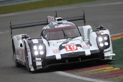 #19 Porsche Team Porsche 919 Hybrid: Ніко Хюлкенберг, Ерл  Бембер, Нік Тенді