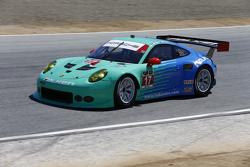 #17 Team Falken Tire Porsche 911 GT3 RSR: Вольф Хенцлер, Bryan Sellers