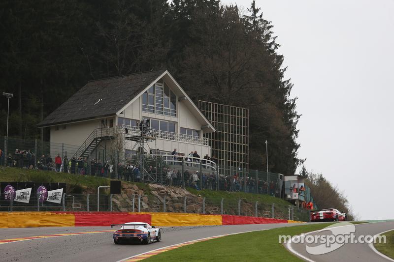 #98 Aston Martin Racing, Vantage V8: Paul Dalla Lana, Mathias Lauda, Pedro Lamy