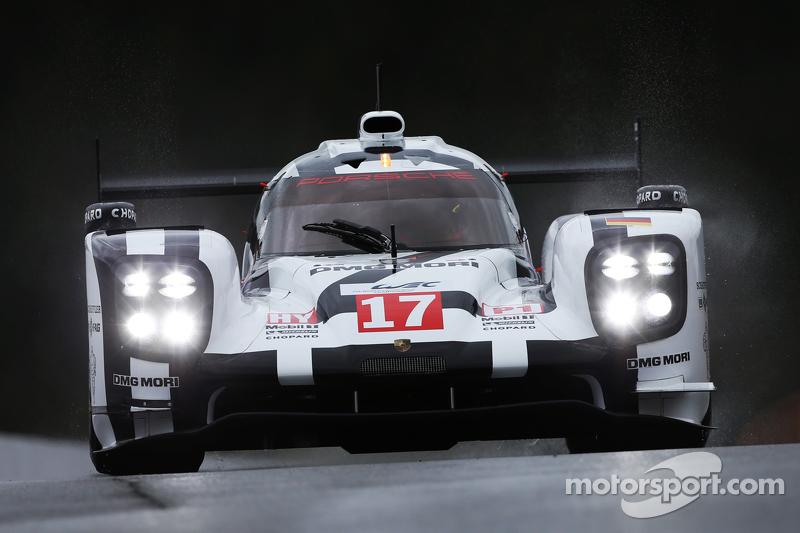 #17 Porsche, Porsche 919 Hybrid: Timo Bernhard, Mark Webber, Brendon Hartley
