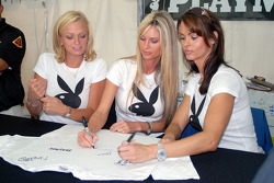 Les Playmates Playboy Laurie Fetter, Stephanie Glasson et Karen McDougal