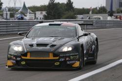 #44 Barwell Motorsport Aston Martin DBRS9: Leo Machitski, Jonathan Cocker