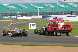 Narain Karthikeyan stopped on track