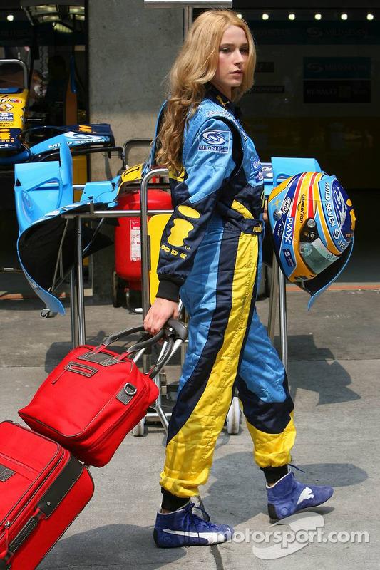Chica de Renault F1 Team