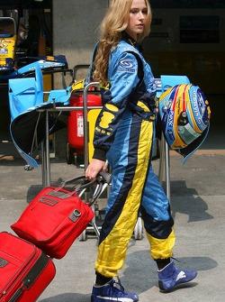 Renault F1 Team girl