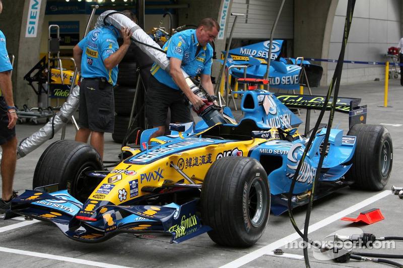 Práctica de mecánica Renault repostar el coche de Fernando Alonso