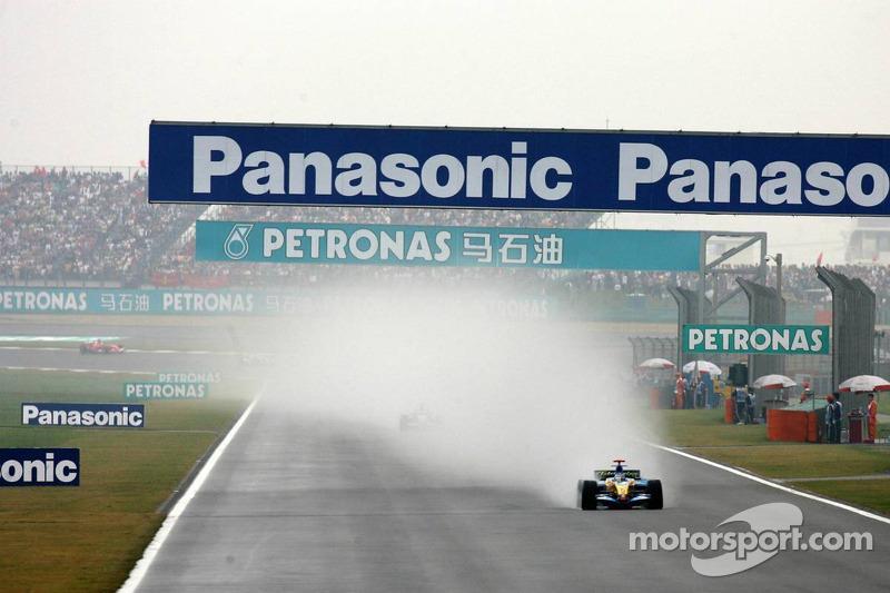 Fernando Alonso lidera el grupo