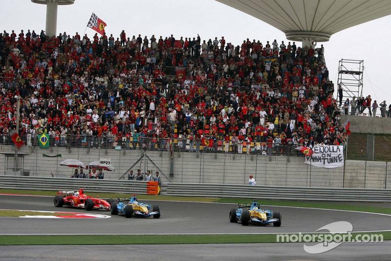 Giancarlo Fisichella lidera a Fernando Alonso y Michael Schumacher