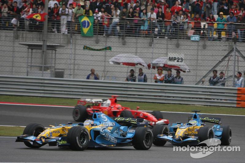 Fernando Alonso lidera a Giancarlo Fisichella y Michael Schumacher