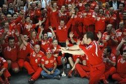 Михаэль Шумахер, Фелипе Масса и сотрудники Ferrari