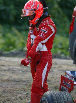 Michael Schumacher stopped on track with engine failure