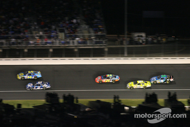 Jeff Green, Kurt Busch, Jeff Burton, Greg Biffle et Tony Raines