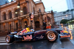 Red Bull Racing demo run in Sao Paulo: Michael Ammermuller in front of the Theatro Municipal in action