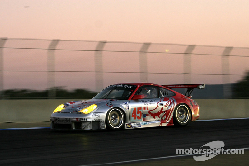 #45 Flying Lizard Motorsports Porsche 911 GT3 RSR: Johannes van Overbeek, Wolf Henzler