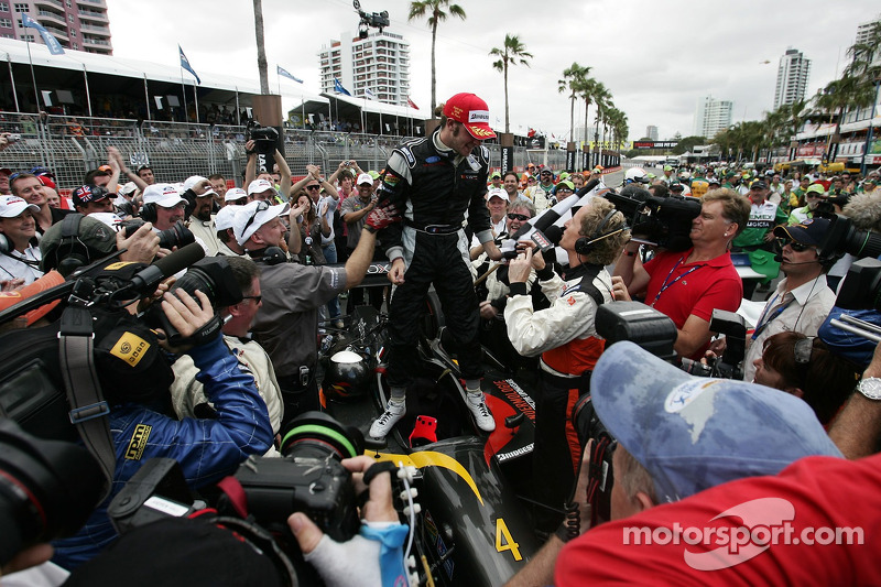 Nelson Philippe remporte le Lexmark Indy 300