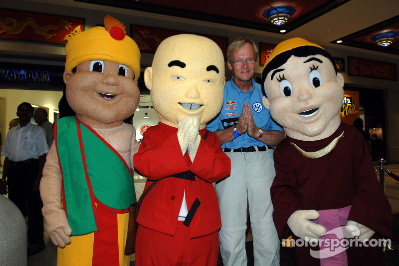 Ari Vatanen et des amis