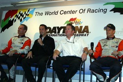 Press conference: Mark Patterson, Helio Castroneves, Michael Shank and Oswaldo Negri