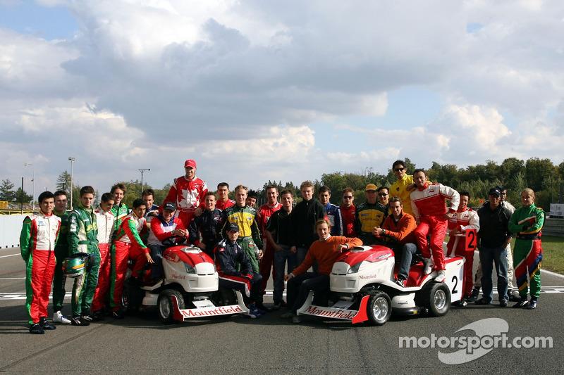Journée des RP, Mountfield Cup on Tractors : Photo de groupe des pilotes d'A1GP