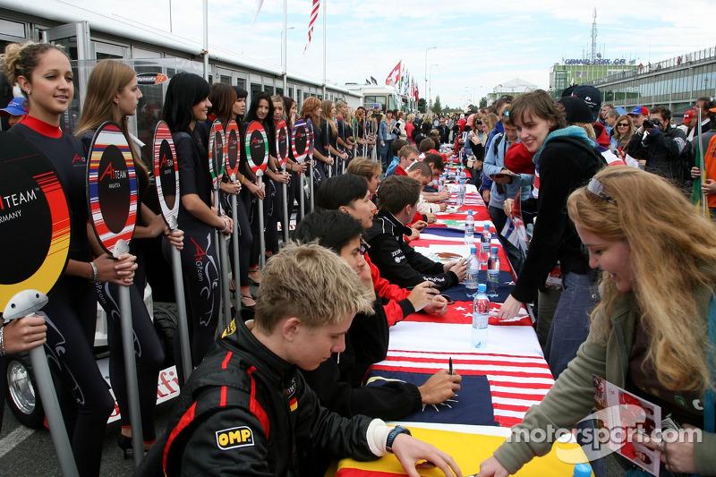 Session de signature d'autographes
