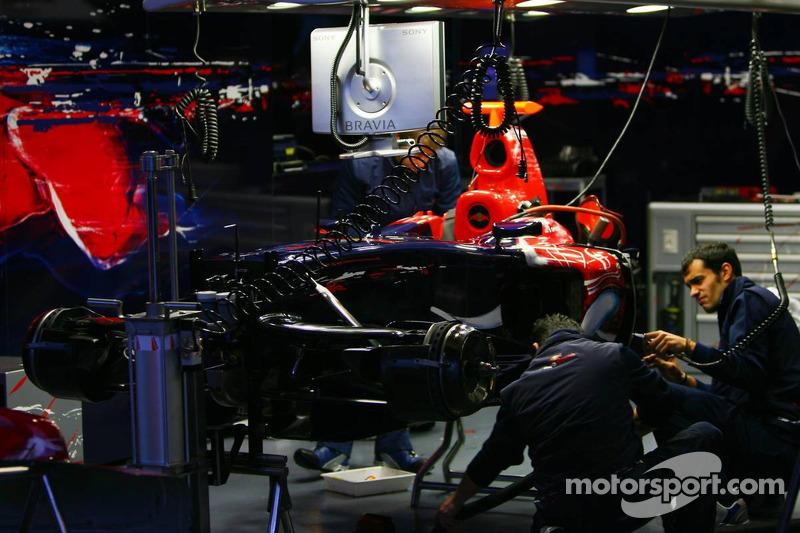 Toro Rosso STR01 Cosworth
