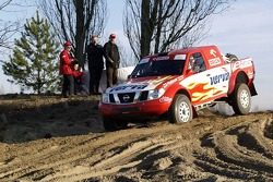 Orlen Team: Krzysztof Holowczyc and Jean-Marc Fortin test the Orlen Nissan