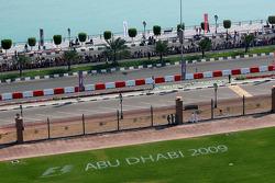 Abu Dhabi yarış teklamı