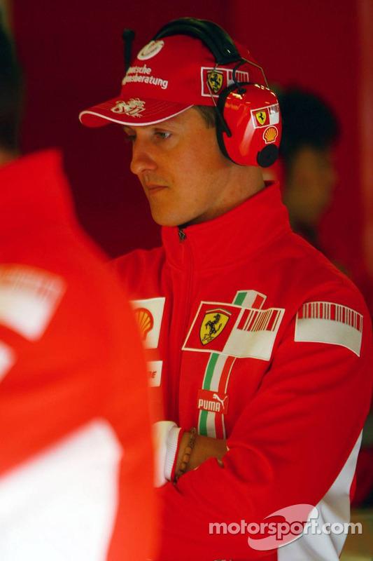 Міхаель Шумахер відвідав тести Ф1