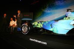 Nick Fry, Honda Racing F1 Team, Chief Executive Officer, Jenson Button and Yashurio Wada, Honda Racing Development Ltd, President