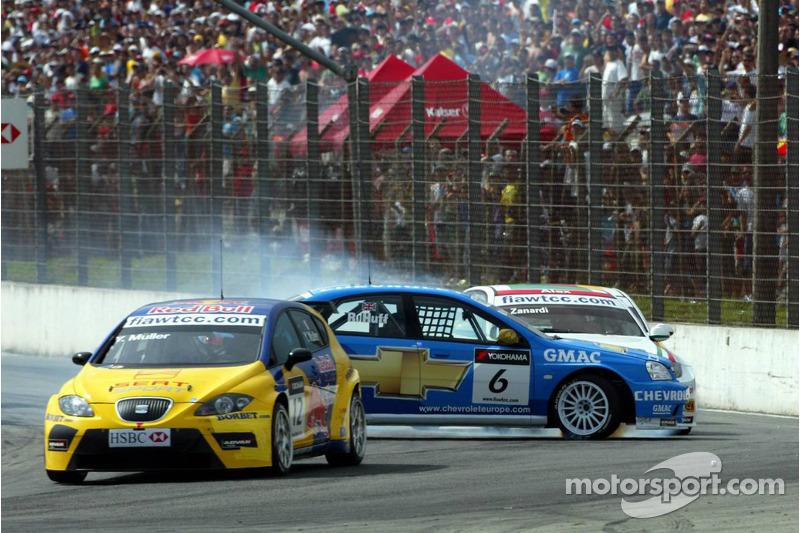 Yvan Muller, SEAT Sport, Seat Leon et Robert Huff, Team Chevrolet, Chevrolet Lacetti