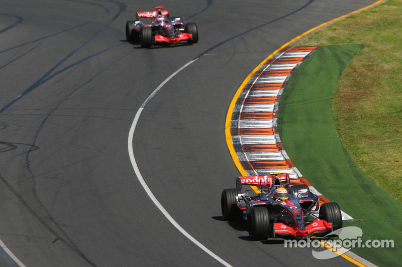 Lewis Hamilton, McLaren Mercedes, MP4-22, y Fernando Alonso, McLaren Mercedes, MP4-22