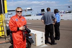 Richard Sloop fait quelques tours du circuit avec Nick Fanelli