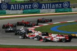 Start, Fernando Alonso, McLaren Mercedes, MP4-22, Lewis Hamilton, McLaren Mercedes, MP4-22 and Felipe Massa, Scuderia Ferrari, F2007