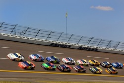 Jeff Gordon and Sterling Marlin lead the field