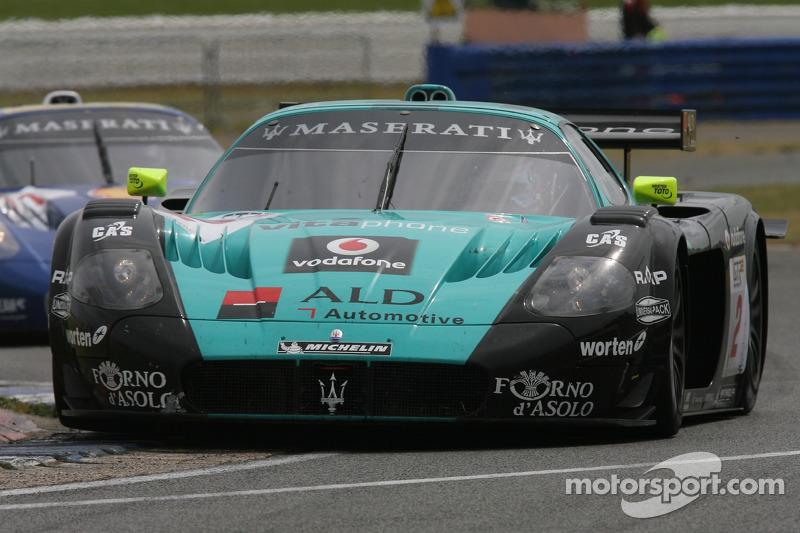 #2 Vitaphone Racing Team Maserati MC 12 GT1: Miguel Ramos, Christian Montanari