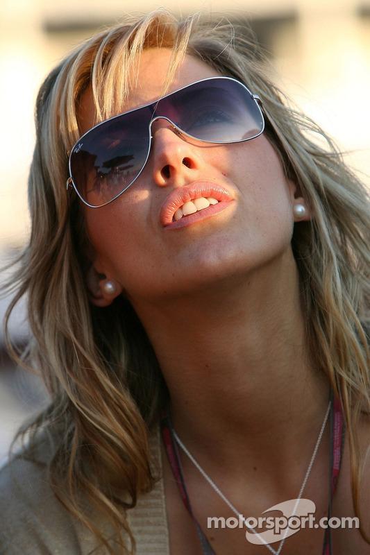 Une jeune femme de Formule 1