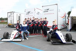Мика Сало и участники SMP Формулы 4