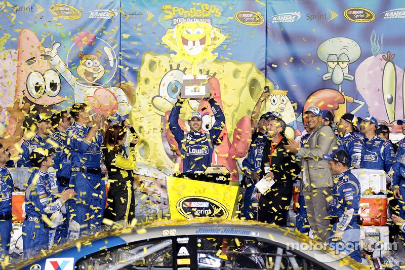 Ganador de la carrera Jimmie Johnson, Hendrick Motorsports Chevrolet