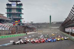 Race start, Will Power, Team Penske Chevrolet leads