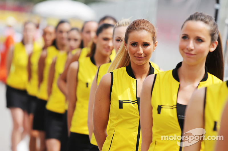 Chicas de la parrilla en el GP de España