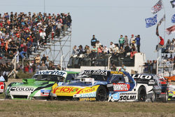 Juan de Benedictis, Alifraco福特车队,和Luis Jose di Palma,Indecar Racing Torino