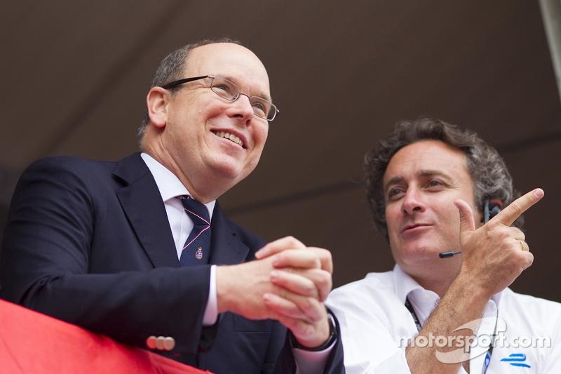 الأمير آلبرت الثاني، وآليخاندرو أغاغ، المدير التنفيذي للفورمولا إي