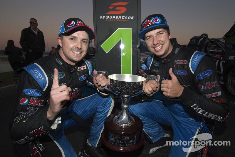 1. Mark Winterbottom, Prodrive Racing Australia, Ford, und Chaz Mostert, Prodrive Racing Australia,