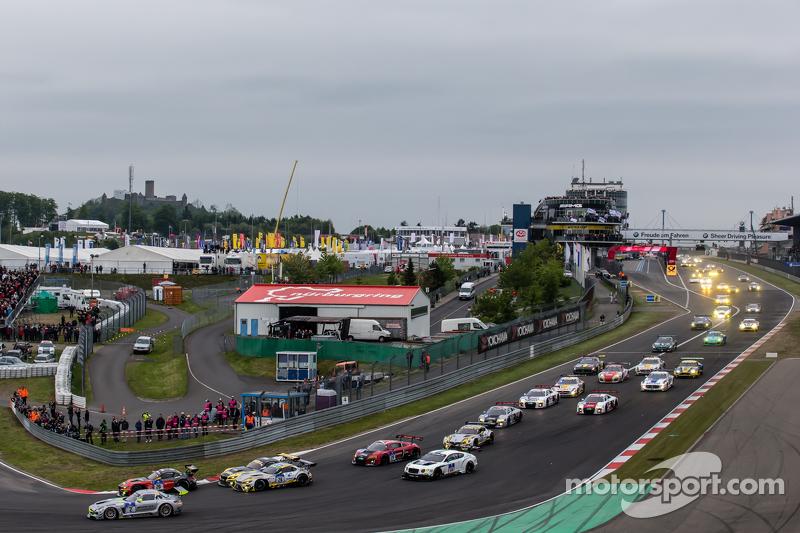Start: #20 Schubert Motorsport, BMW Z4 GT3: Dominik Baumann, Claudia Hürtgen, Jens Klingmann, Martin