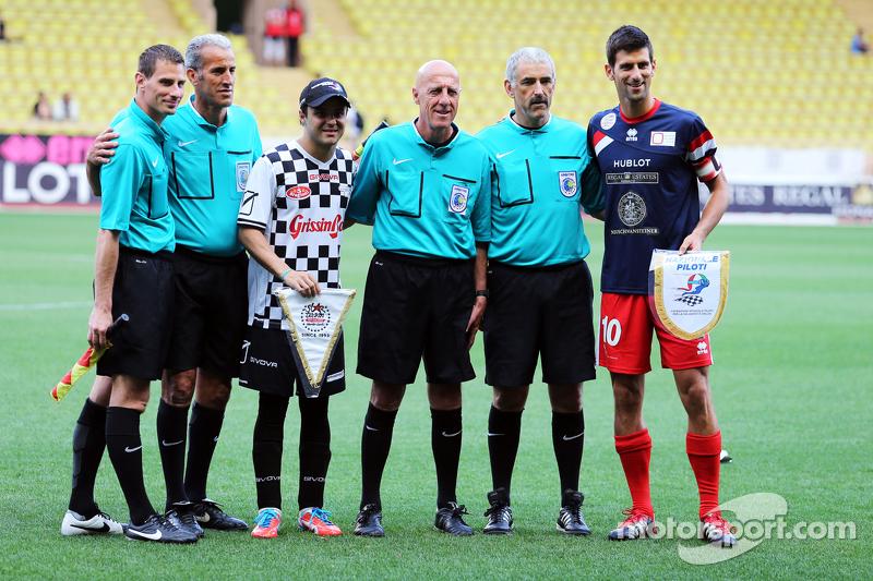 (Von links nach rechts): Felipe Massa, Williams, und Tennisspieler Novak Djokovic bei einem Fußballspiel für den guten Zweck