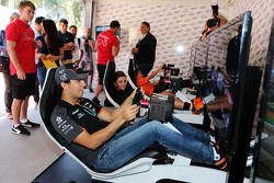 Sergio Perez, Sahara Force India F1 - circuit simulator experience