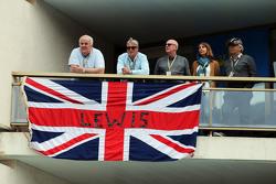 Болельщики Льюиса Хэмилтона, Mercedes AMG F1