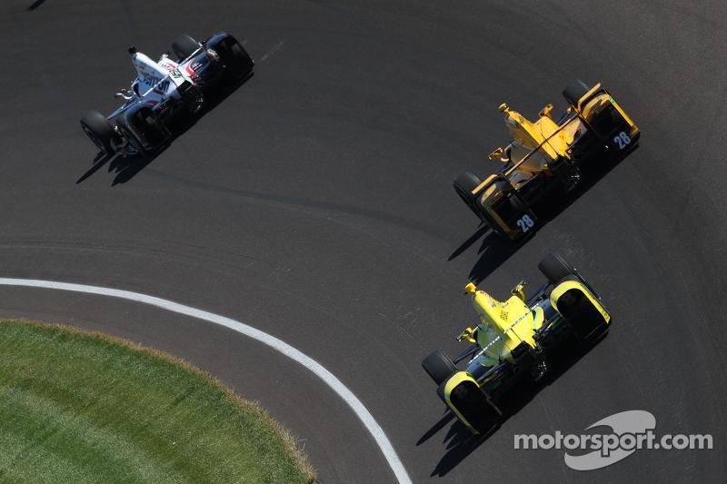 Will Power, Team Penske Chevrolet, Ryan Hunter-Reay, Andretti Autosport Honda e Sage Karam, Chip Ganassi Racing Chevrolet