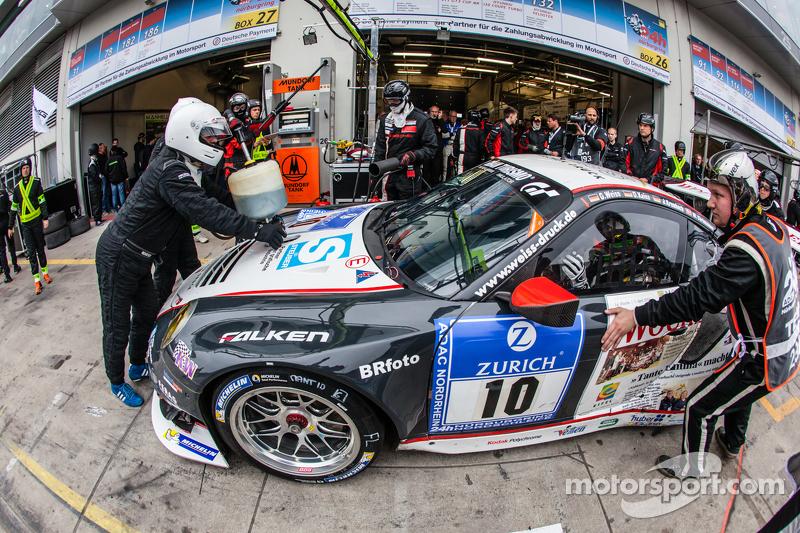 Boxenstopp für #10 Team Manthey, Porsche 911 GT3 RSR: Georg Weiss, Oliver Kainz, Jochen Krumbach, Ri